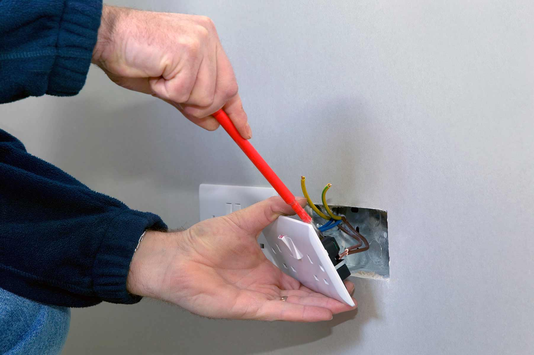 Our electricians can install plug sockets for domestic and commercial proeprties in Earls Court and the local area.